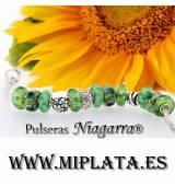 PULSERA CON 13 ABALORIOS EN TONOS VERDES