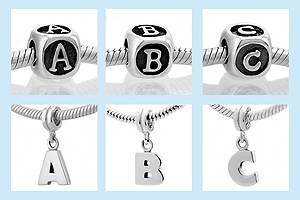 abalorios pandora con letras